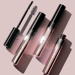 FULL FRONTAL VOLUME LIFT & CURL MASCARA